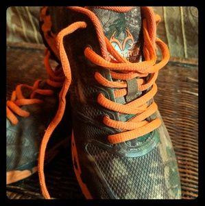 RealTree camo hiking shoes (men's size 8M)